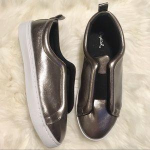 Qupid Metallic Silver Sneakers
